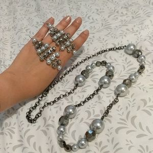 Jewelry - Gray-pearl tones necklace and earrings